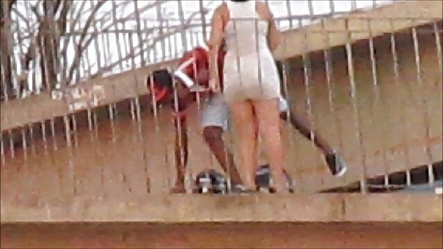 O chefe domina e humilha sexualmente os subordinados no filme pornô da brasileira trabalho