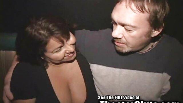 O criminoso fodeu com um polícia no cu e escapou porno nacional de qualidade da custódia.