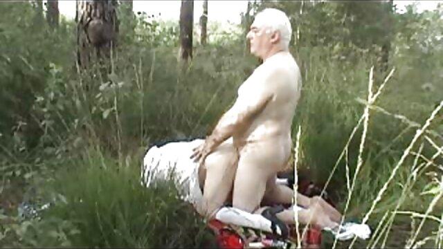 engoliu a cabeça Celestial video nacional sexo pela encantadora adolescente Dixie Lynn.